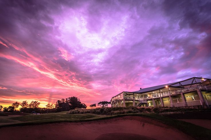 Glenelg Golf Club with spectacular wedding photos.