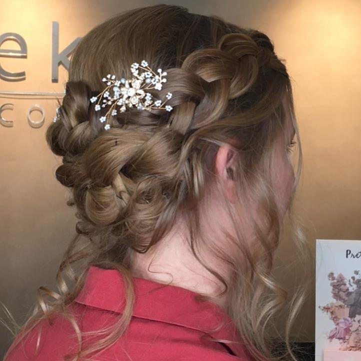 Meine Hubsche Braut Lea Wedding Styling By Ludmilajost Brautmakeup Brautkleid Hochzeitsfrisur Weddingdress Wedding Crail Wedding Styles Nose Ring Wedding