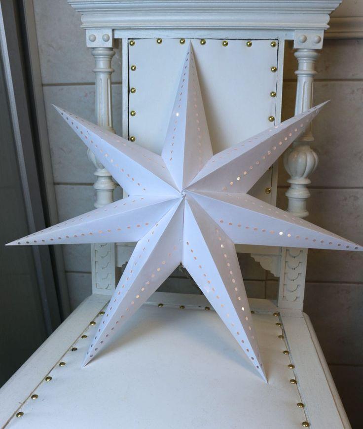 Svart-Stina - Julpyssel: DIY Adventsstjärna i vitt papper