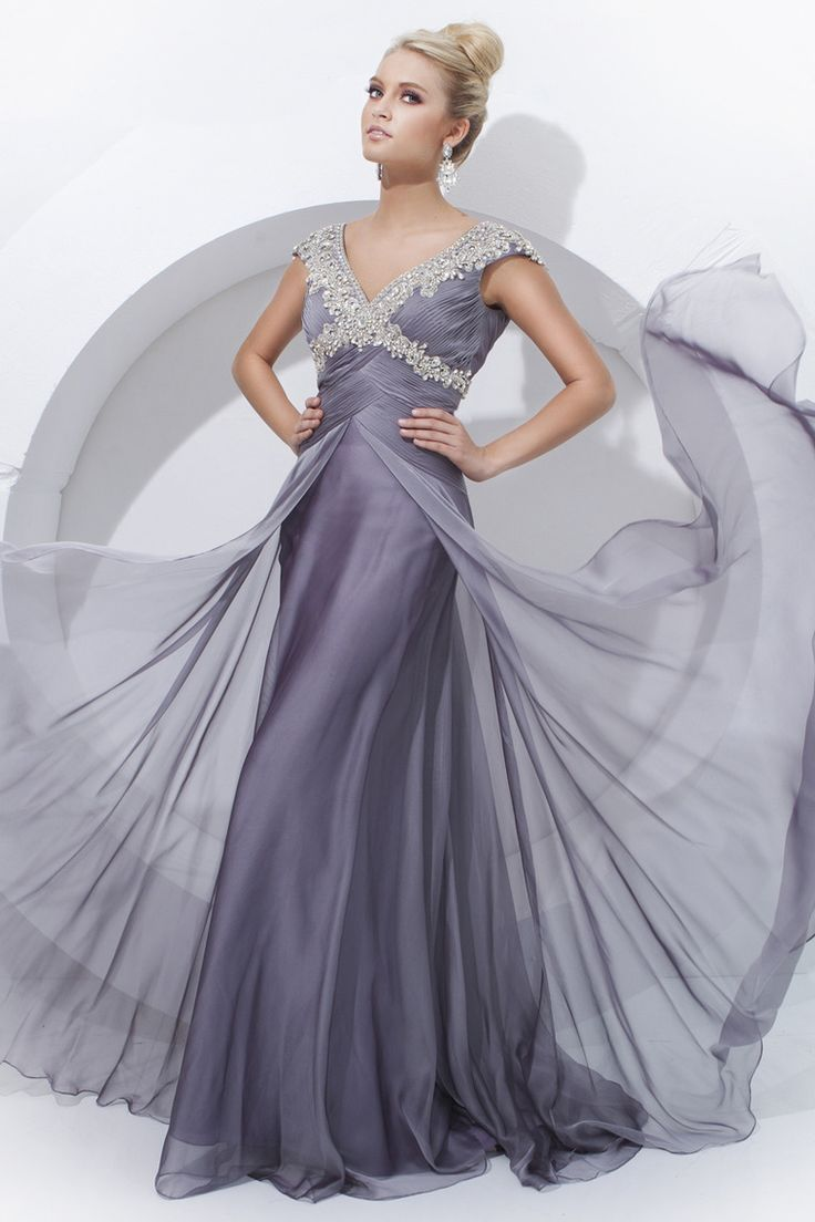 31 best Dresses & Gowns images on Pinterest | Evening gowns, Party ...