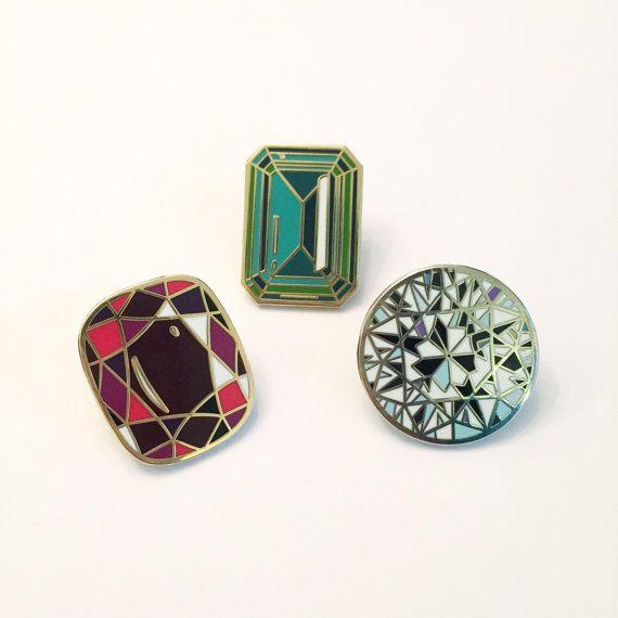 Etsy の 設定 3 エナメルの宝石ピン by Diamondoodles                                                                                                                                                                                 もっと見る