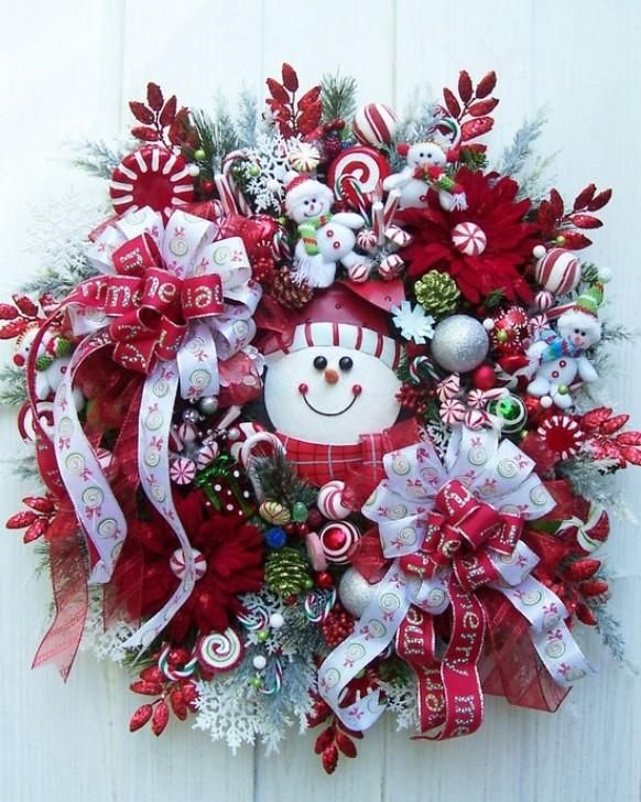 Snowmen And Snowflakes Christmas Wreath. Love this for the front door!