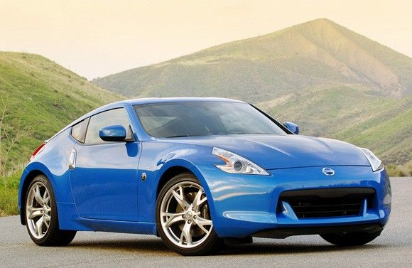 2009 Nissan 370z - Very nice, fun, only down fall are the blind spots.
