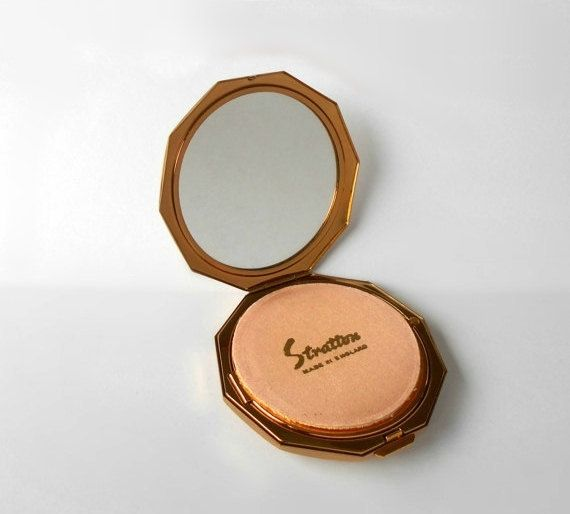Vintage Stratton Compact for loose powder by MargsMostlyVintage