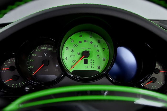 400PS Porsche Carrera 4S by TechArt dashboard