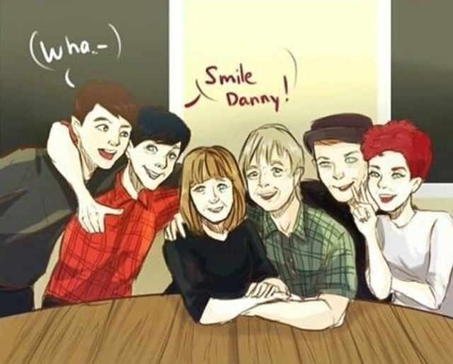 {credit to owner} PHIL'S FAMILY PHIL AND DAN AHHHHH THISBJS IS CUTE AS HECK