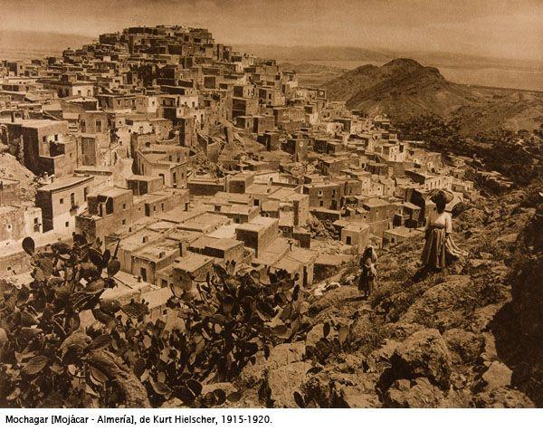 Imagen de Mojácar (Almería), Mujer tapada. 1915-1920. kurt-hielsche