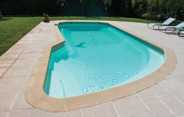 Les 25 meilleures id es concernant piscine coque polyester for Destockage piscine coque