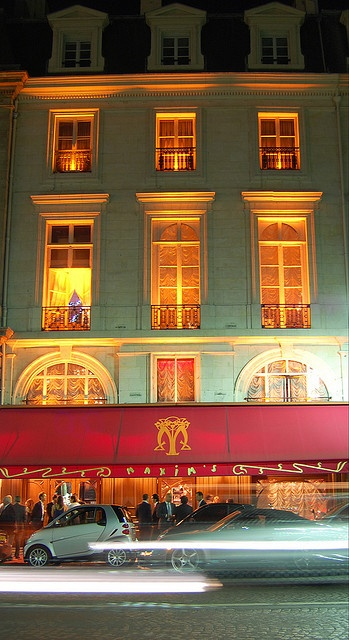 Maxim's Paris, FRANCE. (by RunAwayRiley, via Flickr)