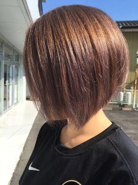 前下がりショートスタイル - 24時間いつでもWEB予約OK!ヘアスタイル10万点以上掲載!お気に入りの髪型、人気のヘアスタイルを探すならKirei Style[キレイスタイル]で。