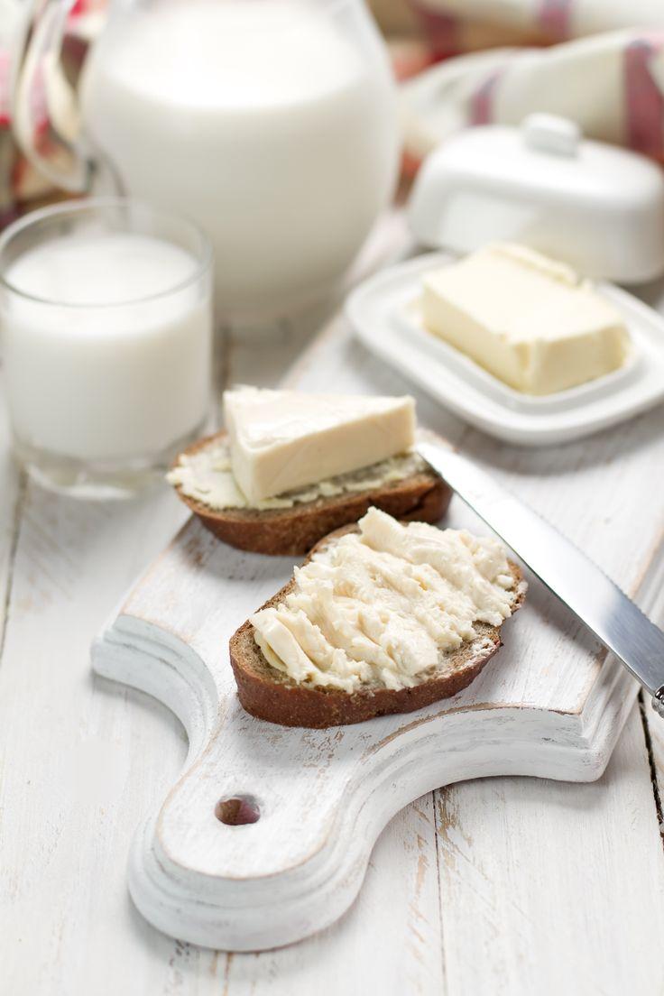 Krem peyniri eşliğinde kahvaltı