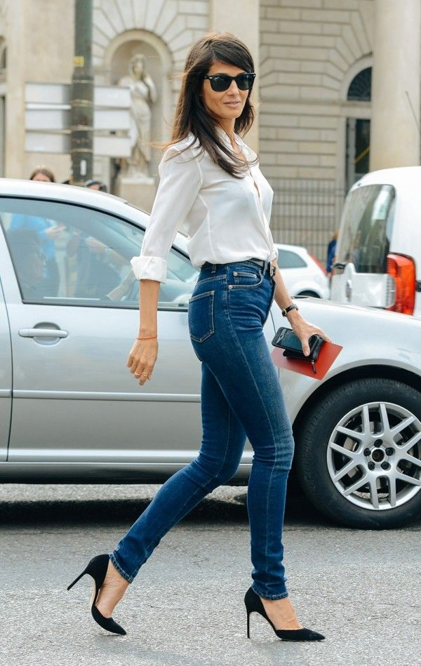 Barbara Martelo in Saint Laurent High Waisted Skinny Jeans in Medium Blue