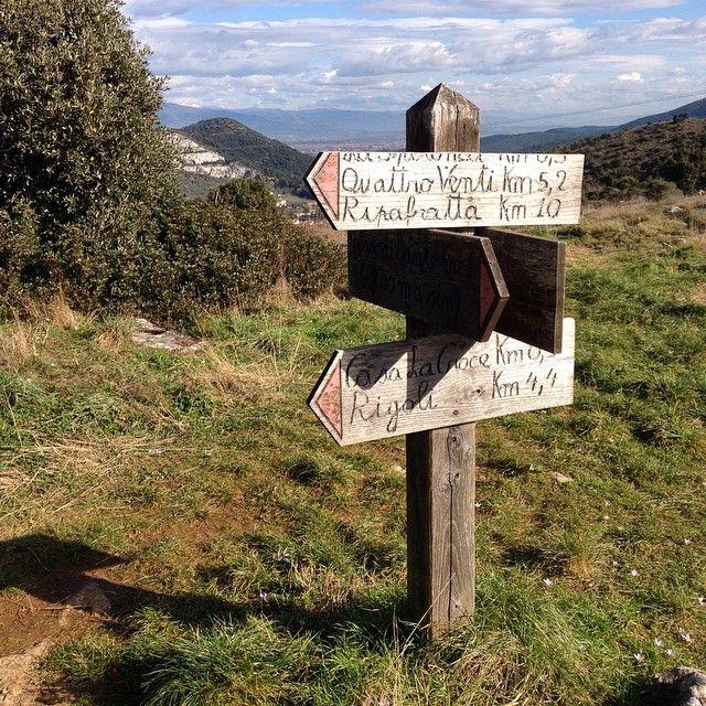 Luoghi incredibili da scoprire a passo lento. Venite a camminare in #Toscana sui #sentieri del #MontePisano