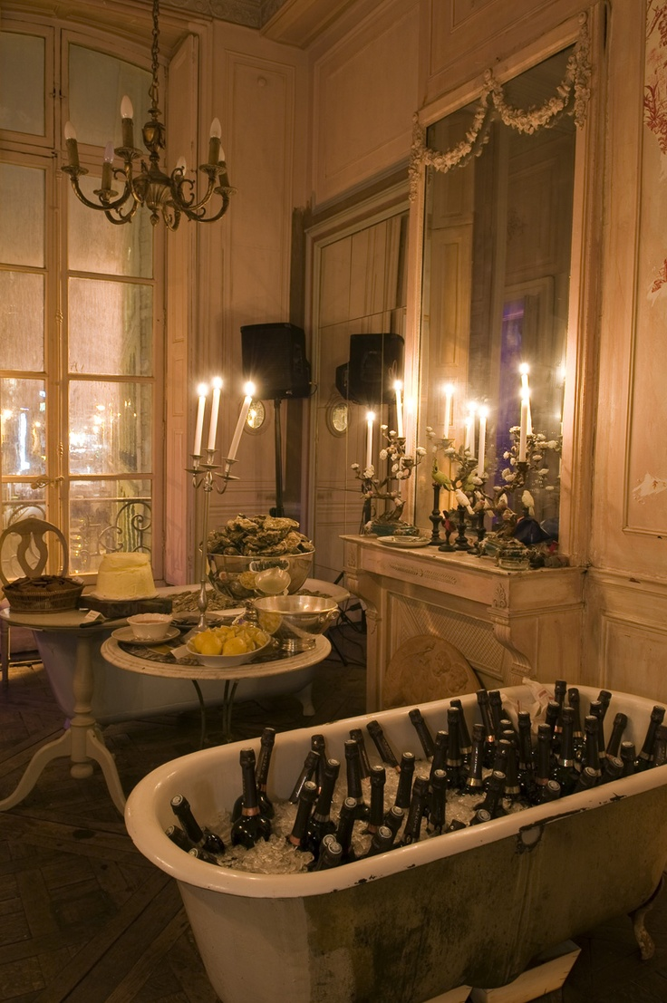 Today I want to have a party in Paris and invite all my friends! Picture of my party provided by: @Loft Connexion by Samuel Johde.