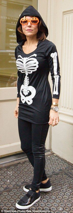 Bethenny Frankel wears skeleton costume and takes daughter Bryn to Halloween party | Daily Mail Online
