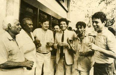 Dorival Caymmi, Luiz Gonzaga, Tom Jobim, Jack Lang, Caetano Veloso e Chico Buarque. Foto de 1983.