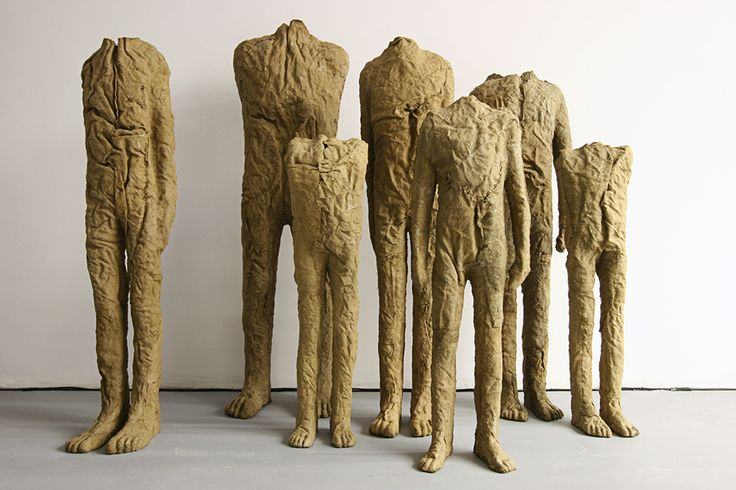 Magdalena Abakanowicz earned fame with the so-called abakans, as well as figurative space compositions, made primarily of fabric, but also of wood, stone and bronze. Abakanowicz introduced weaving techniques into the modern art gallery. Characteristic of her are series of sculptures – individual figures and crowds.