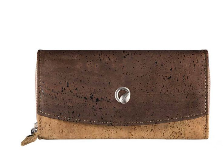 #Wallet made of silky smooth #cork #leather | 100% #sustainable and #vegan | CHF 107.00 | free delivery & return within Switzerland