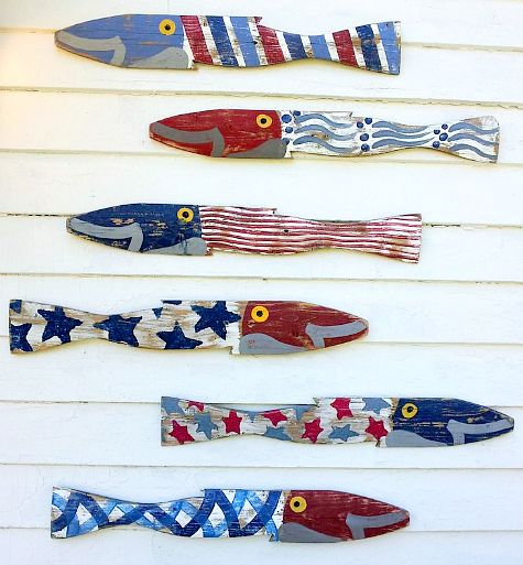 Patriotic fish wall decor for Memorial Day and 4th of July! Featured on CC: http://www.completely-coastal.com/2015/04/nautical-home-accessories.html