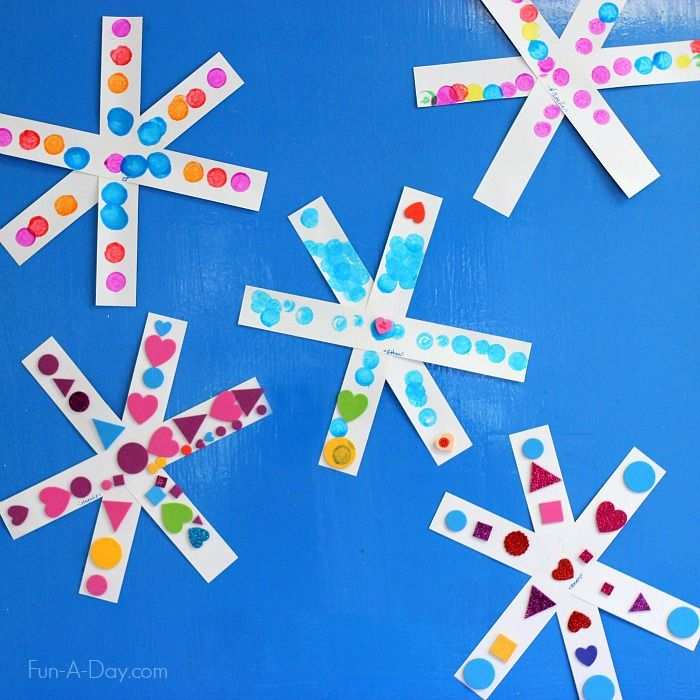 Simple snowflake craft for kids - they can create how they like or explore patterns and symmetry