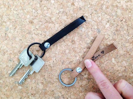 DIY Schlüsselanhänger / Valentinstag / Schlüsselanhänger aus Leder / Mit geheimer Notiz / Anhänger