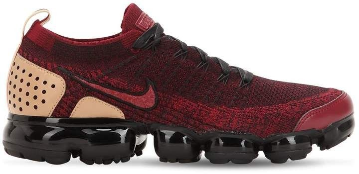 Flyknit upper. Back pull loop. VaporMax Air technology for