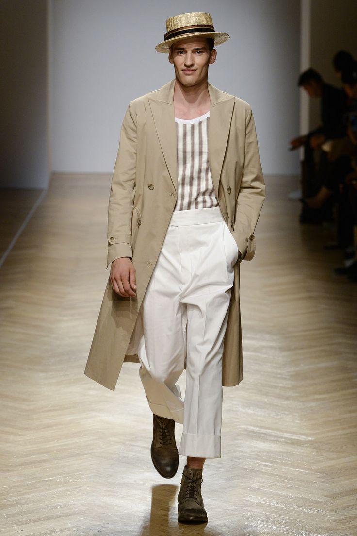 See the complete Daks Spring 2018 Menswear collection.