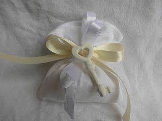 bomboniere ricamate di sara: bomboniera matrimonio la chiave dell amore