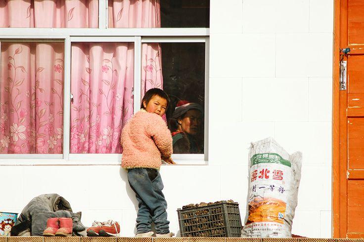 Tibetan nomads in West-China - Desiré van den Berg
