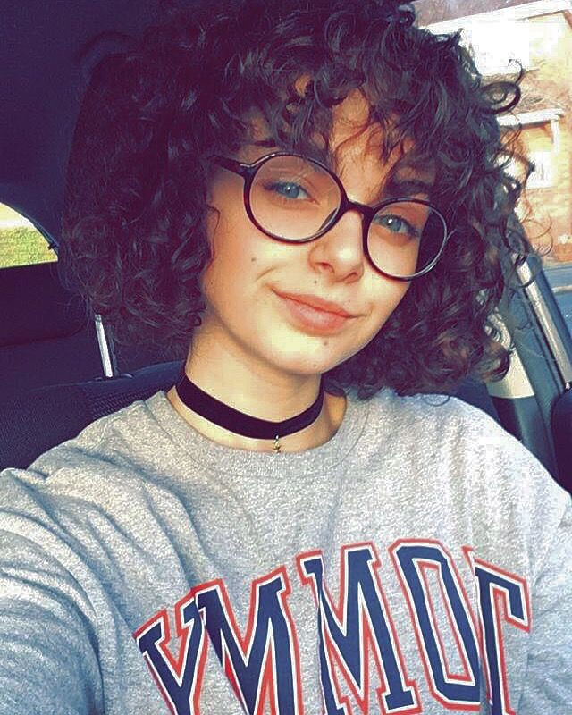 Curly Hair Bob And Fringe Curly Hair In 2019 Cute Curly