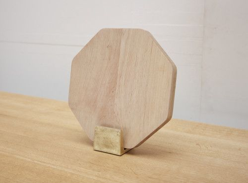 FUTAGAMI Brass Chopping Board Holder | Mr Kitly