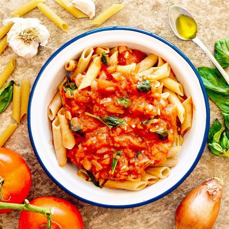 Pasta med tomat- och basilikasås! Receptet hittar du i meny 10. 😊