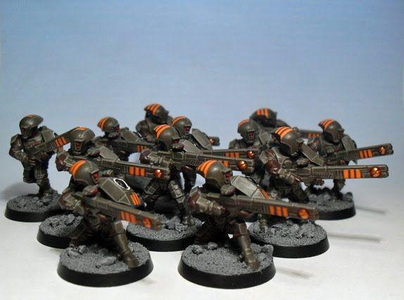 40k - Tau Firewarriors (cool paint scheme)