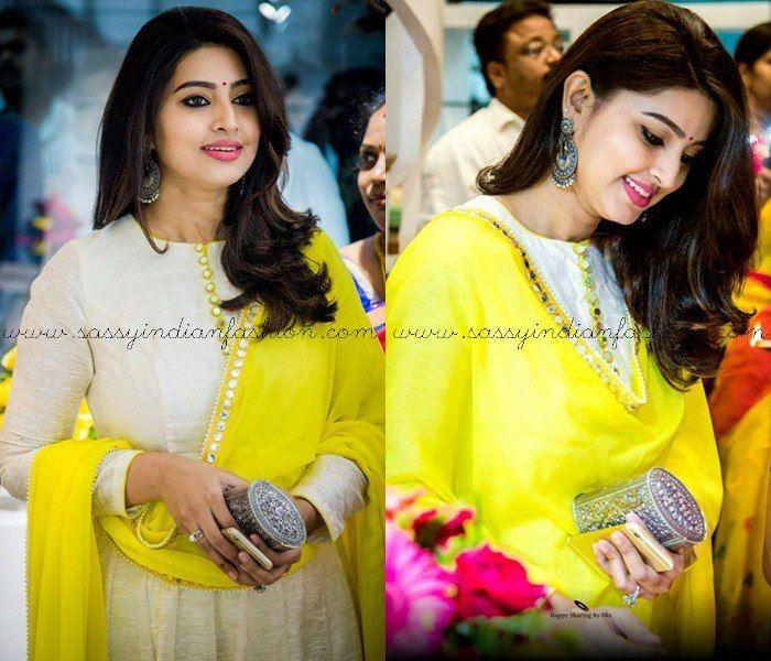 Sneha Earrings, Sneha purses, Actress Sneha in Anarkali, Actress Sneha Dresses, Actress Sneha's Oxidized Silver Clutch box, Actress Sneha Silve Oxidized Earrings.