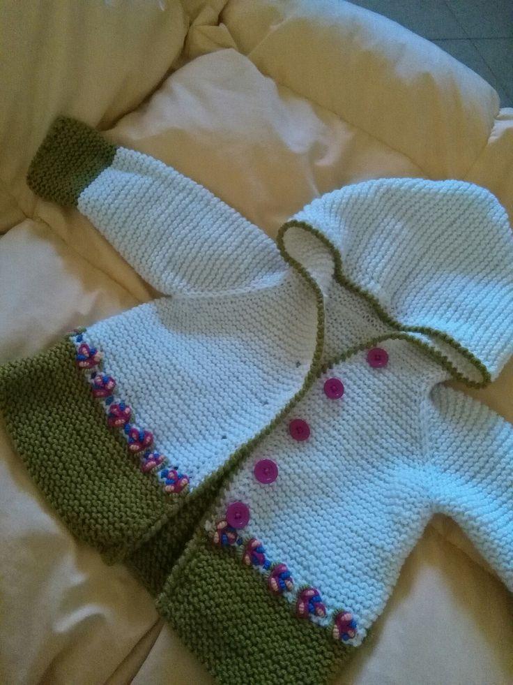 cardigan lana ricamato a mano
