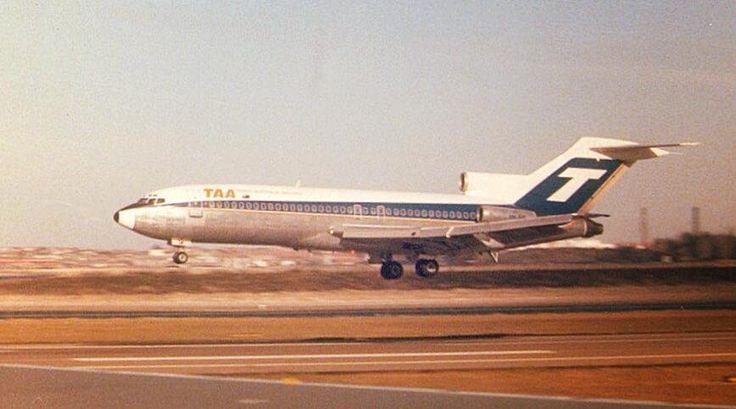 TAA Boeing 727-76