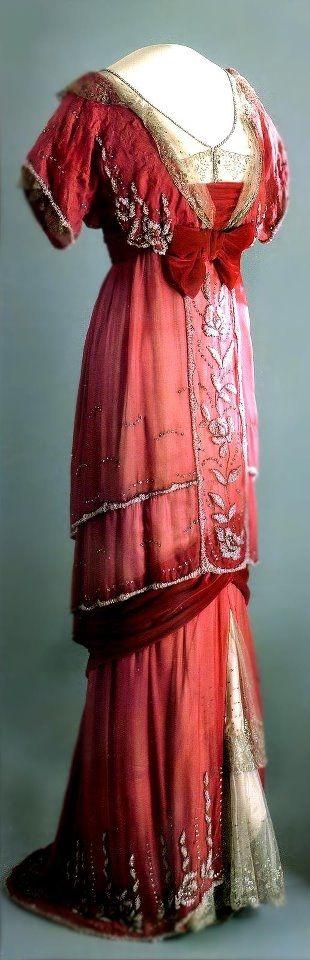 "shewhoworshipscarlin: "" Dress, 1910. """