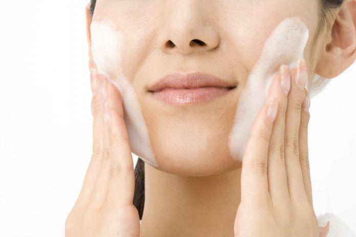 sposób na oczyszczanie twarzy