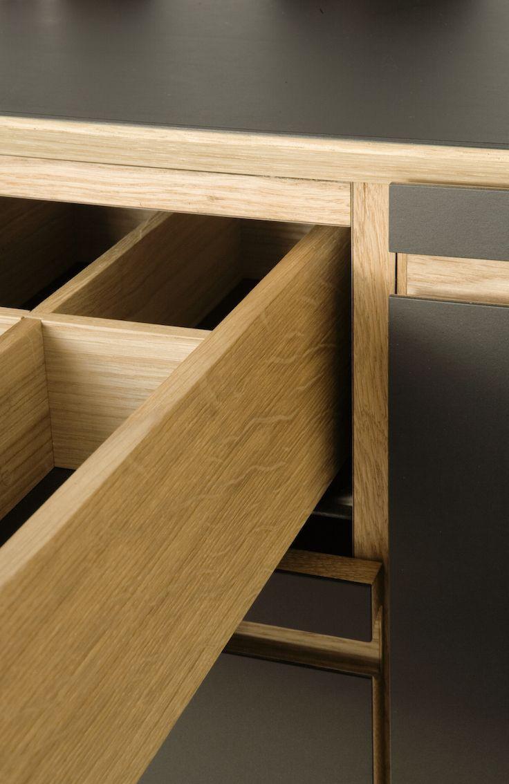Minimalistic oakwood drawers - by Nicolaj Bo™