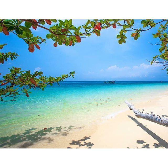 モルディブに匹敵する絶景ビーチ!タイ最後の楽園「リペ島」が美しすぎる | RETRIP[リトリップ]