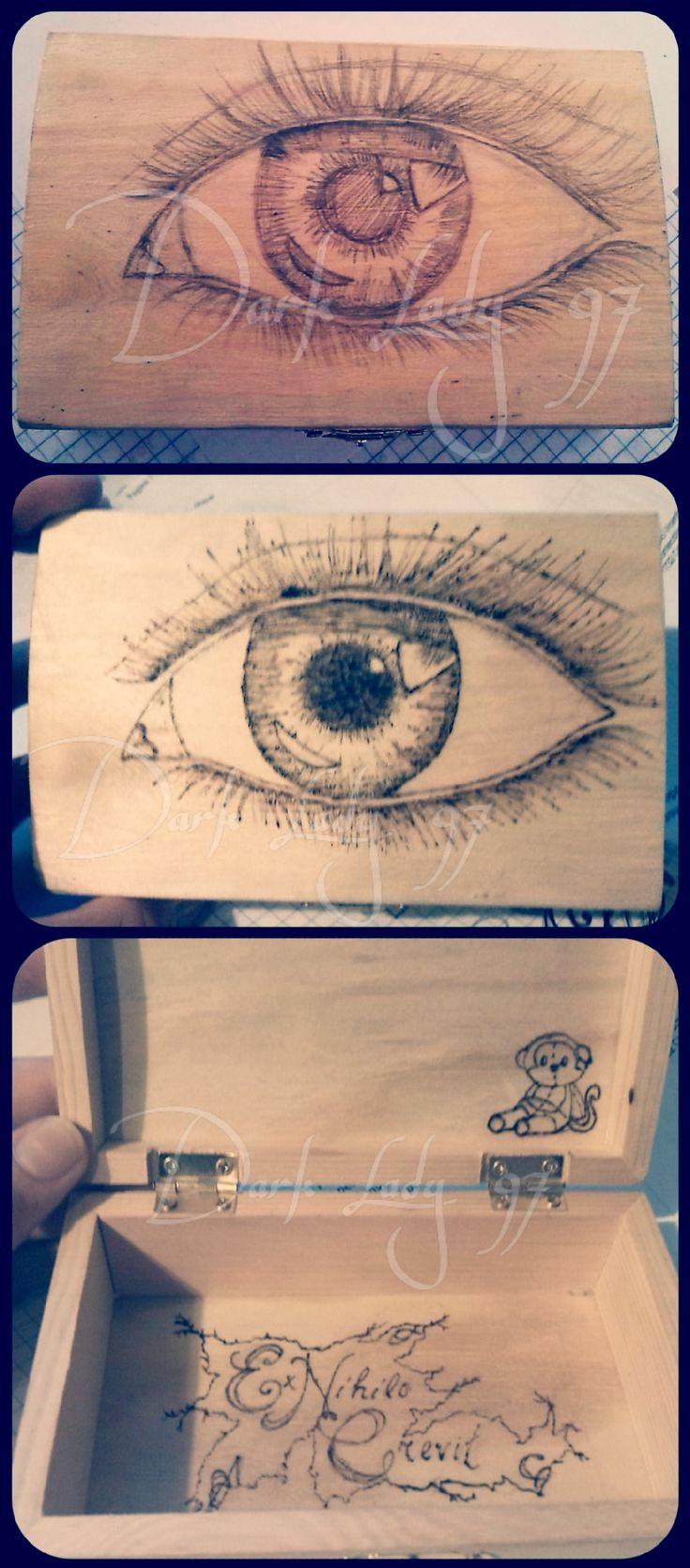 casket wood pyrography eye monkey ex nihilo crevit by Chiara Rigoni // Dark Lady 97