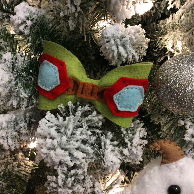 e7afc8db Teemo Inspired Bow Tie from Bow Peeps   Lazos   Lazos