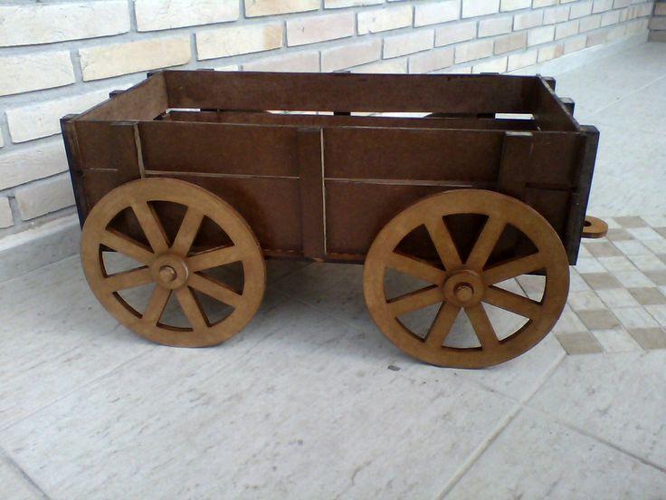 carroça - cenario fotografico newborn | Clik Artes - Criações Artesanais | Elo7