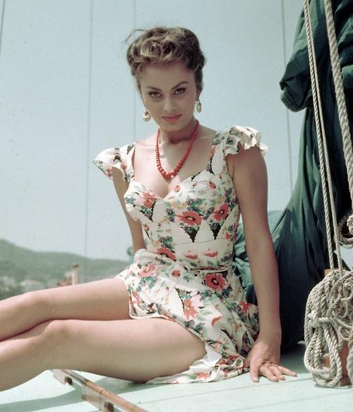 Sultry Sophia Loren, 1954