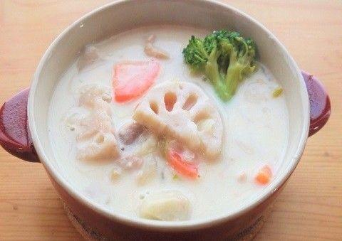 寒い日はシチューが最高♪旬の里芋を使って、ホクホク&濃厚なクリームシチューを作ってみませか?