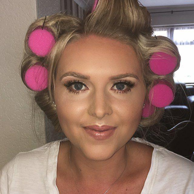 I really think Jodie is the spitting image of Scarlett Johansson #mua #makeuplover #makeupartist #mac #makeup #makeuplook #makeover #highlight #contour #lashes #makeupjunkie #bridesmaid #bridalmakeup #bridalmakeupartist