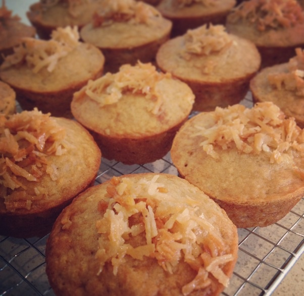 Banana maple muffins with crunchy coconut topping