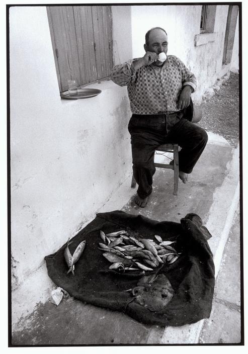 Constantine Manos. Greece. Mani. Gerolimena. 1964. Resting fisherman.