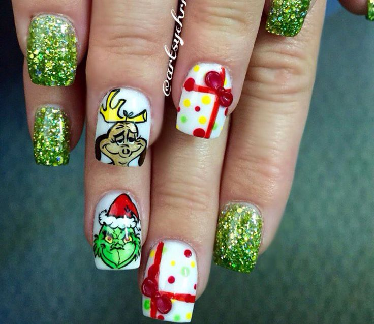 Hand Painted Christmas Nail Art: 98 Best Artsychris Creations Images On Pinterest