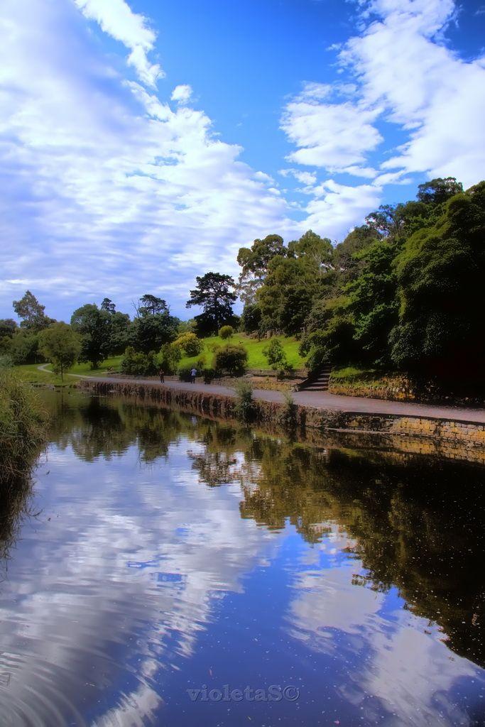 Melbourne , Coburg Lake